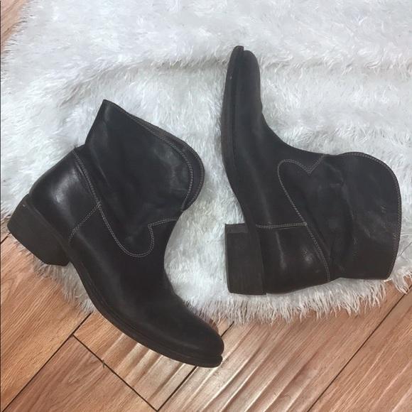 4e2eccbb091fd Black Italian Leather Boho Cowboy Style Ankle Boot